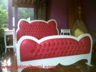 Tempat Tidur Hello Kitty