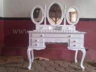 Meja Rias Cantik White