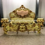 Tempat Tidur Queen Luxury