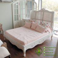 Tempat Tidur Rattan