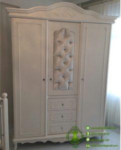 Lemari Baju Ukiran Pintu 3 Warna Putih