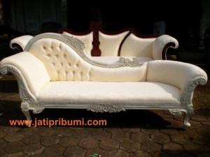 Sofa Ukir