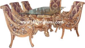 Meja Makan Mewah Natushi