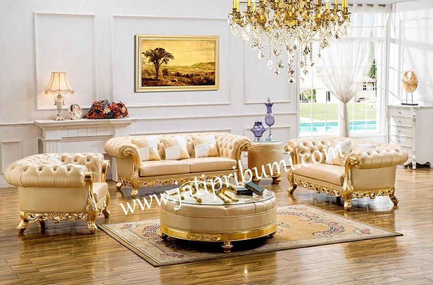 kursi tamu mewah warna emas