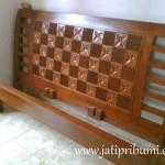 Tempat Tidur Minimalis Jati