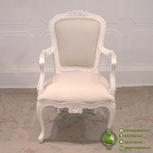 kursi-klasik-serbaguna