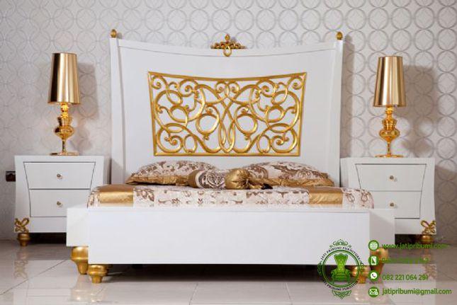 tempat-tidur-beverly-model-terbaru-warna-putih-kombinasi-emas-ukiran-jepara