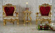 Set Kursi Klasik Mewah di Ruang Tamu